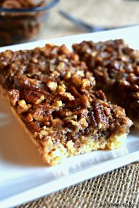 These Healthy Pecan Pie Bars are super easy to make and are the perfect Holiday dessert! They are gluten free, vegan, refined sugar free, and taste amazing! #glutenfree #dairyfree #dessert #vegan #thanksgiving #pie