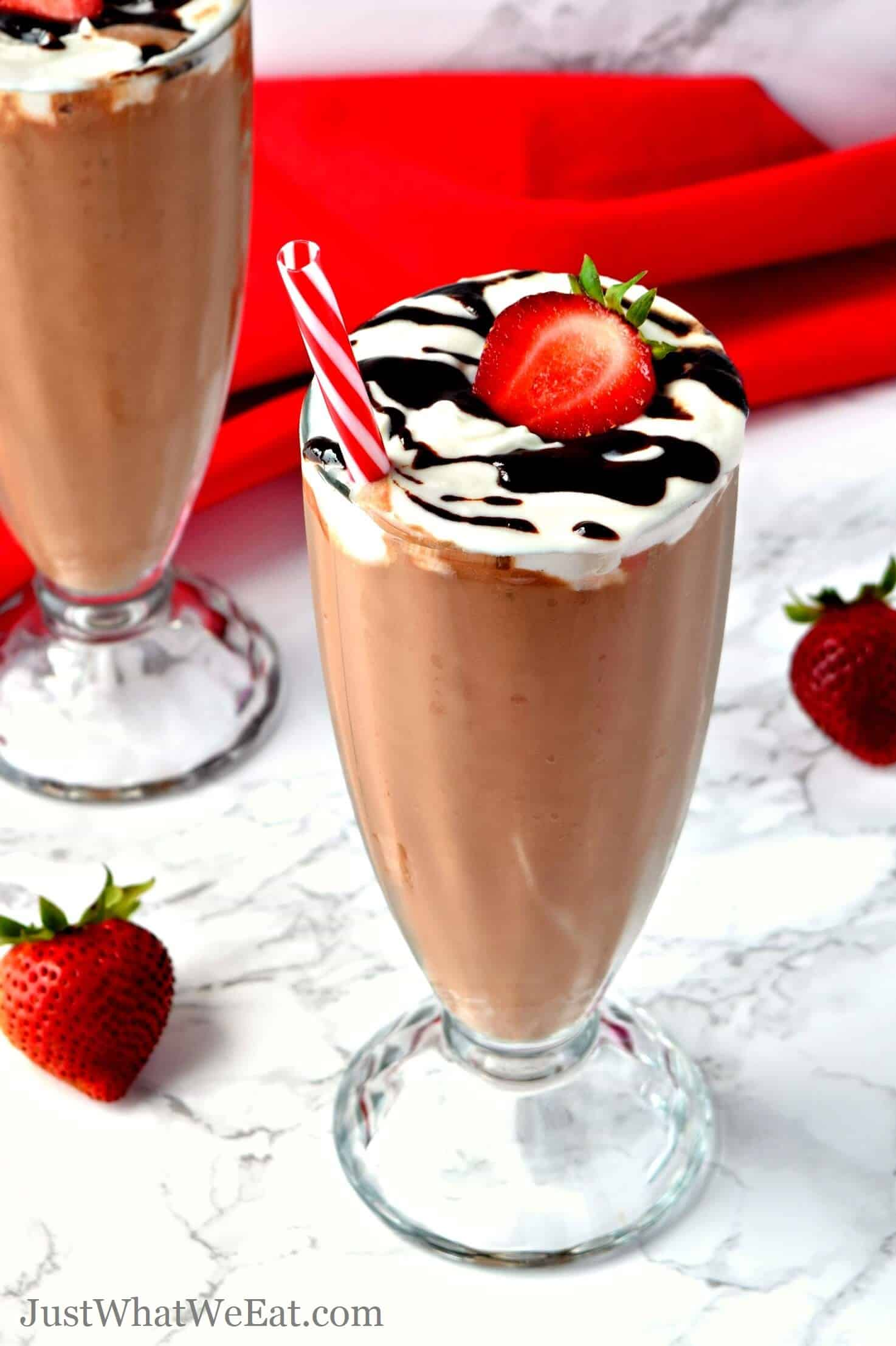 These Chocolate Banana Nice Cream Shakes are so delicious you would never know they are actually healthy! They are so chocolaty and this recipe is SO easy to make.