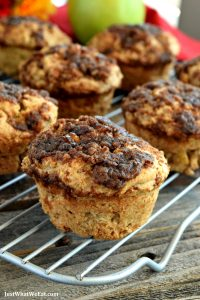 I am obsessed with these gluten free, vegan, and refined sugar free apple crumble muffins! The sweet crumble topping combined with the warm apple cinnamon flavor is just so delicious!